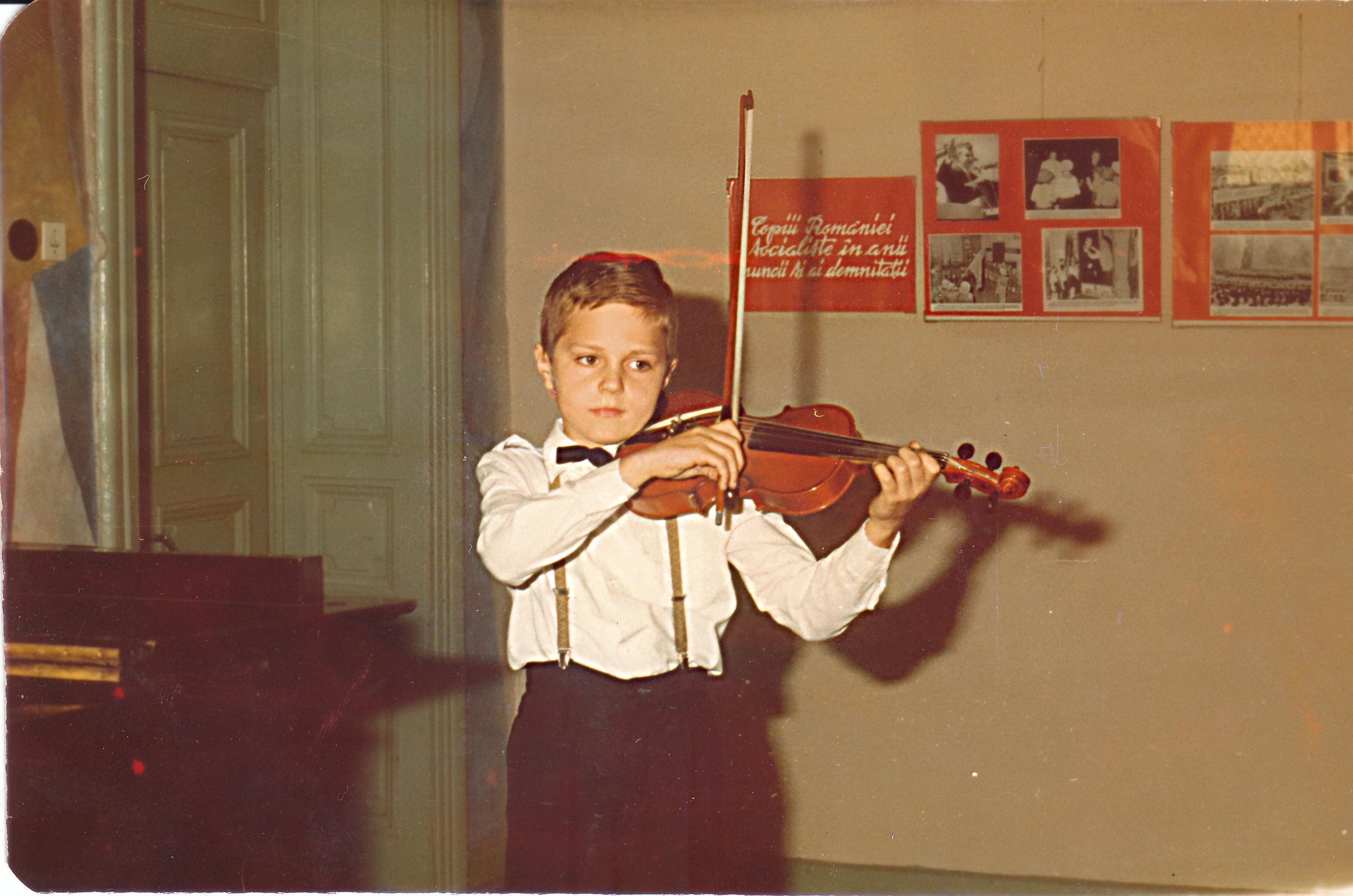 Audiţie la Şcoala de muzică nr. 2, Bucureşti, 8 mai 1986